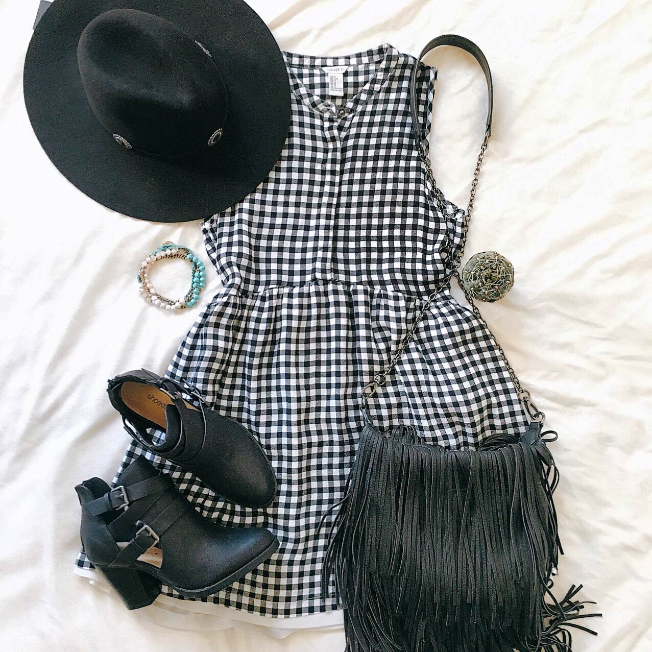 outfit of the day graceful in gingham. Black Bedroom Furniture Sets. Home Design Ideas